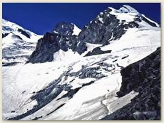 46 Links hinter dem Allalinhorn das Rimpfischhorn 4199 m
