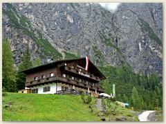 01 Die Dreischusterhütte diente uns als Stützpunkt um anderntags zu den Drei Zinnen zu wandern