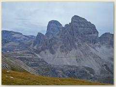 16 Drei Zinnenhütte mit Paternkofel-Monte Paterno 2744 m