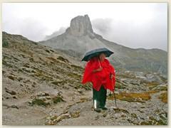 28 Am nächsten Tag, Abstieg im Regen. Tour abgebrochen
