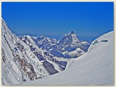 19 Hier kommt man hoch von der Monte Rosa Hütte. Es grüsst der M. Cervino