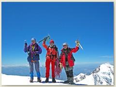 23.2 Geschafft - kein Achttausender, nur 4554 m, auf der Signalkuppe oder Punta Gnifetti. Adrian, Klaus und ich