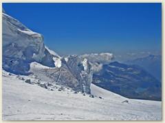 31 Ein Labyrinth von Gletscherspalten - Zweitausend Meter tiefer grüsst der Gabietsee