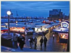 13_Der Fischmarkt ist ein öffentlicher Markt im Hamburger Stadtteil Altona