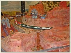 42_Ein langer und schwerer Güterzug in Amerika