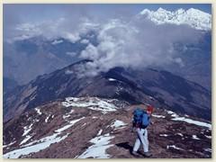 01 Von Gosainkund geht unser Weg steil bergab ins Langtang