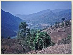 71 Mit dem Bus von der Hochebene via Trisuli Bazar hinunter und zurück nach Kathmandu