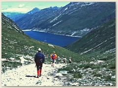 19 Abstieg im Val Termine mit Lai da Sontga maria