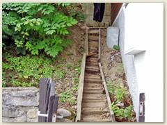 13 Die alte Holztreppe Ostseite, September 2004