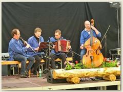 21r Musikalische Unterhaltung im Bahnhofareal Bever