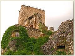 04_Die Ruine der Burg Landskron steht im Oberelsass auf dem Landskronberg an der Schweizer Grenze in der französischen Gemeinde Leymen.