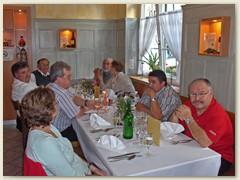 13_Vreni mit Kollegen Martin, Louis, Fritz, Alois mit Freundin, Marcel und Jean-Pierre