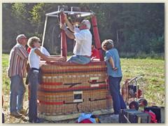 06 Der Brenner wird auf den Korb montiert