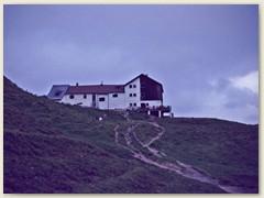 13 Die Tilisunahütte 2211 m ist eine Berghütte des Österreichischen Alpenvereins. Unser Übernachtungsort
