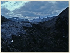 05 Im Hintergrund das Wildhorn