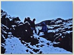 11 Am anderen Morgen - in der Nacht hat es geschneit. Abstieg Richtung Rawilpass