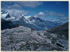 13 Nach 800 Meter Aufstieg wandern wir wieder Bergab