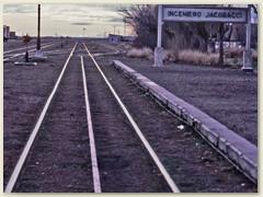 05 Der lange Schienenstrang nach Süden  - wir versuchen  mit dem Mietauto dem Patagonien Express nachzufahren