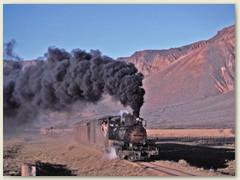 07 Der Zug in Sichtweite - Eine Rauchfahne, wie im Bilderbuch