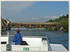 14 Die gedeckte Holzbrücke über den Rhein wurde 1816 eröffnet. Der Oberbau der Brücke wurde in den Jahren 1996 und 1997 renoviert, die Sanierung der Jochpfähle im Jahre 2002 abgeschlossen