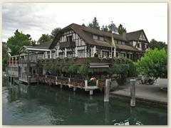 27 Das malerische Ortsbild Gottliebens prägen einige Fachwerkhäuser und ist beliebtes Tourismusziel